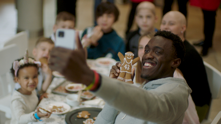 Watch as Google Ambassador & NBA Champion, Pascal Siakam, makes a surprise visit to Ronald McDonald House Charities Toronto to help make the holidays a little easier.
